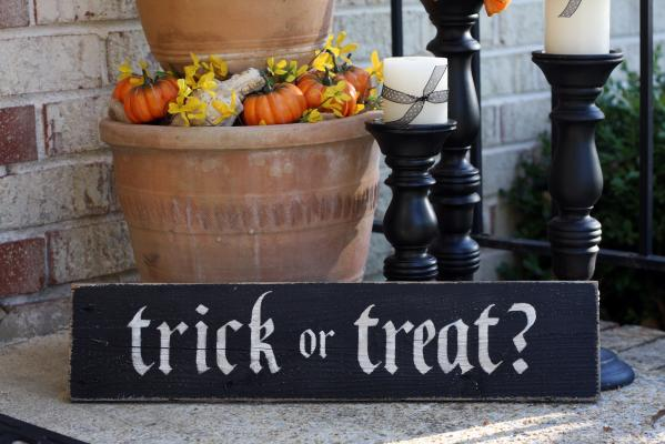 Trick or Treat? Sign