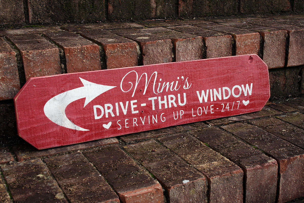 Mom's Diner - Reclaimed Wood Sign